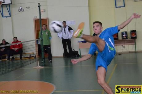 141101-futnet-ukr-1-sportbuk-com-19-y-tornado-malynovsjkiy